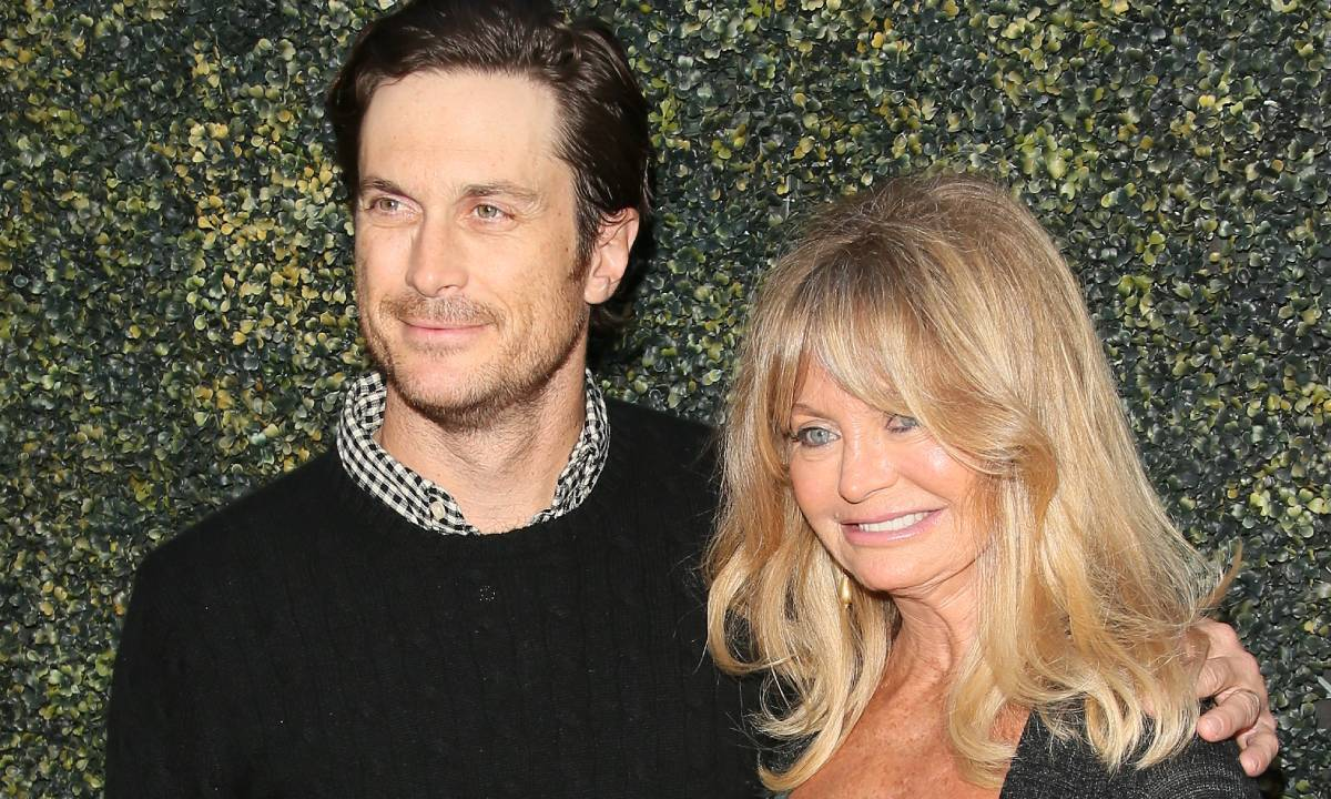 Goldie Hawn reacts with surprise to Oliver Hudson 'crying' in new video about his family