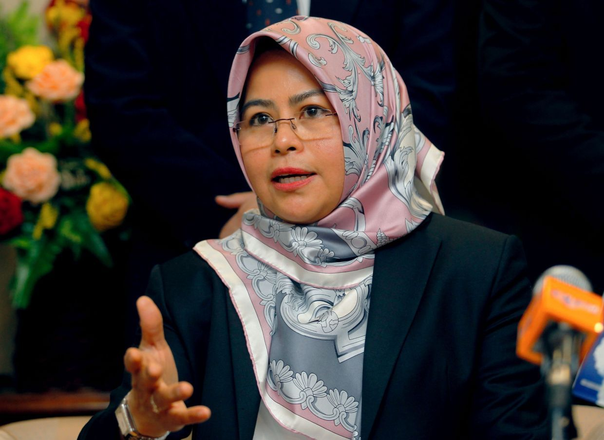 Higher Education Ministry, MCMC to help students with cybersecurity and social issues, says Noraini