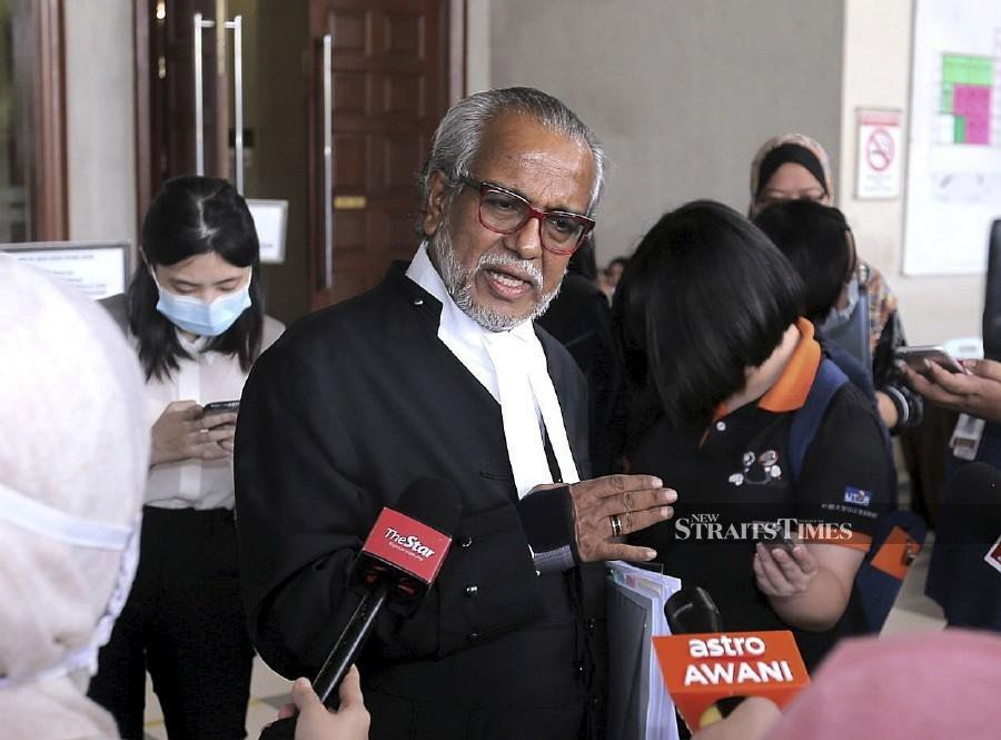 Najib contemplating contempt action against Tommy Thomas besides defamation suit