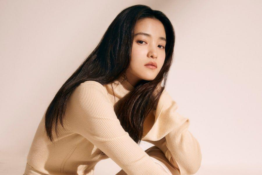 """Kim Tae Ri Shares Thoughts On Her """"Space Sweepers"""" Character, Compliments Cast Members, And More"""