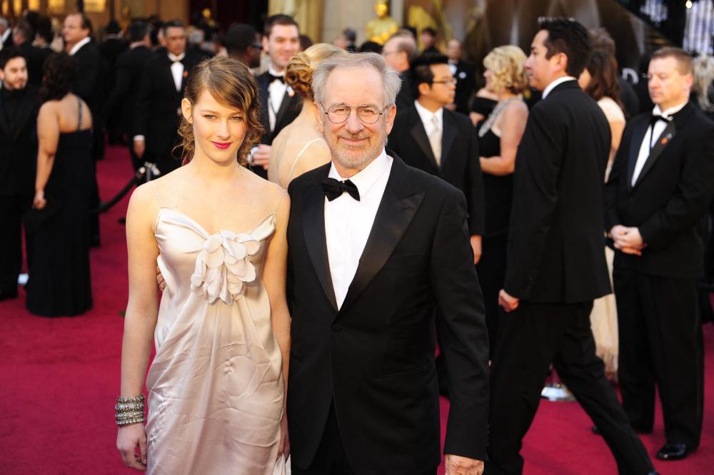 Buzzy Lee, Spielberg's daughter, soundtracks breakup on debut