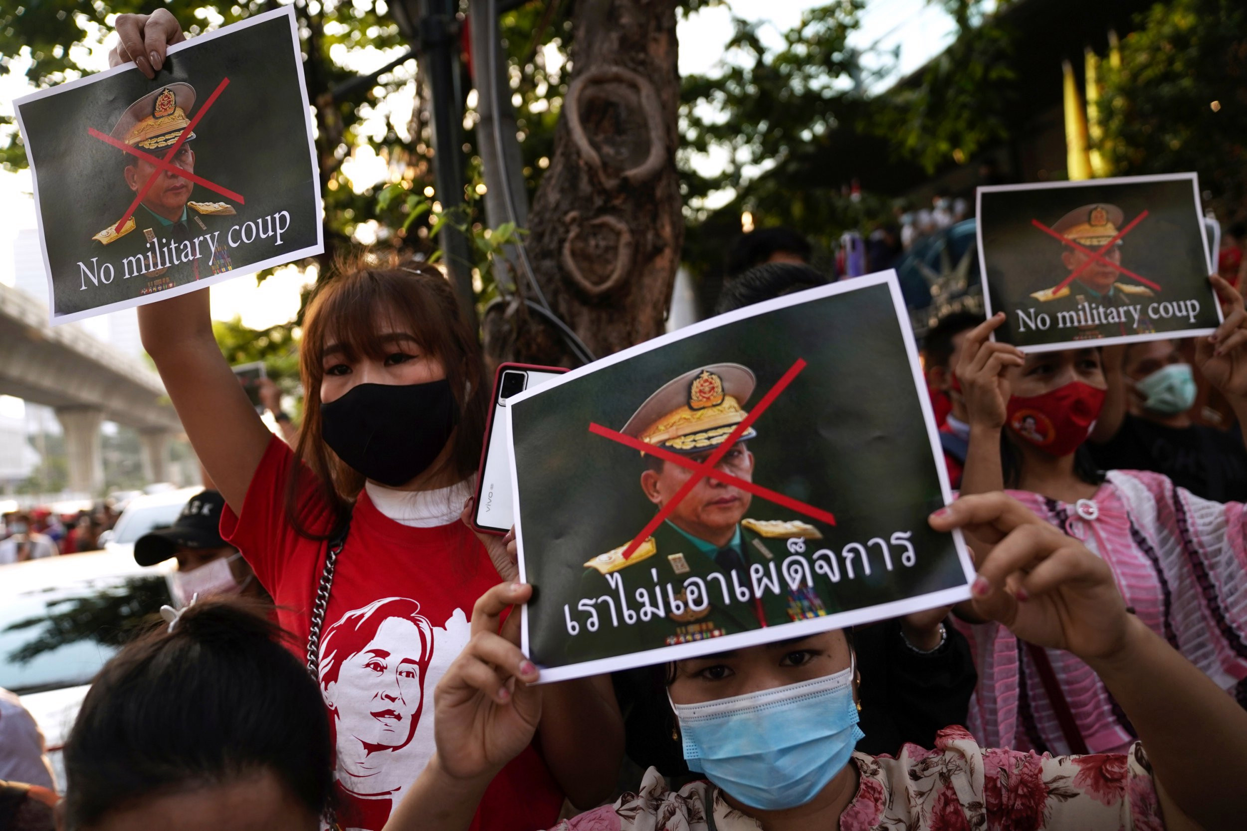 UK imposes sanctions on Myanmar generals for human rights violations