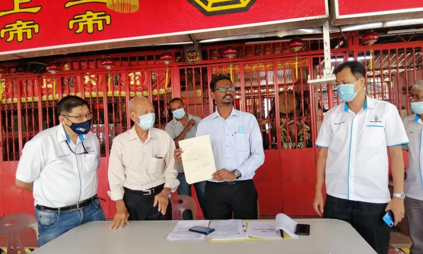 Batu Uban rep highlights plight of Kampung Sungai Dua residents