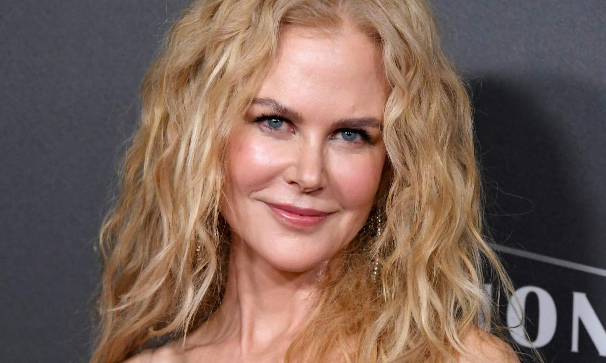 Nicole Kidman embraces natural beauty as she poses inside living room in Australia