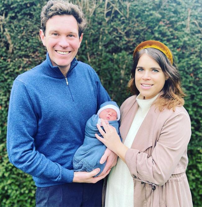 Sarah Ferguson joined by sweetest family member in new video