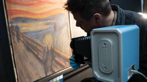 Edvard Munch wrote 'madman' Scream graffiti on painting, scans show