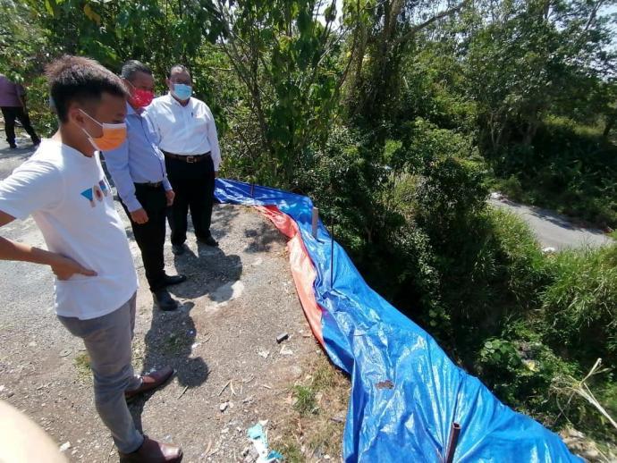 沉香珍珠园山壁崩塌 投诉1个月未见抢修