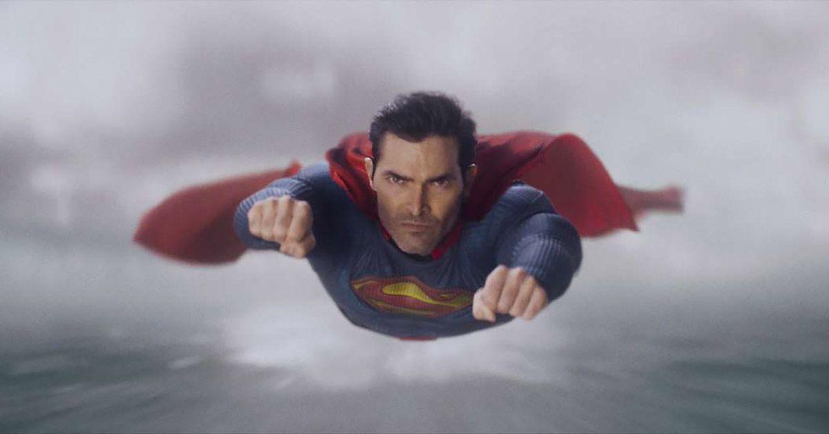 Superman & Lois: Tyler Hoechlin Explains How He Prepared for Superman Role