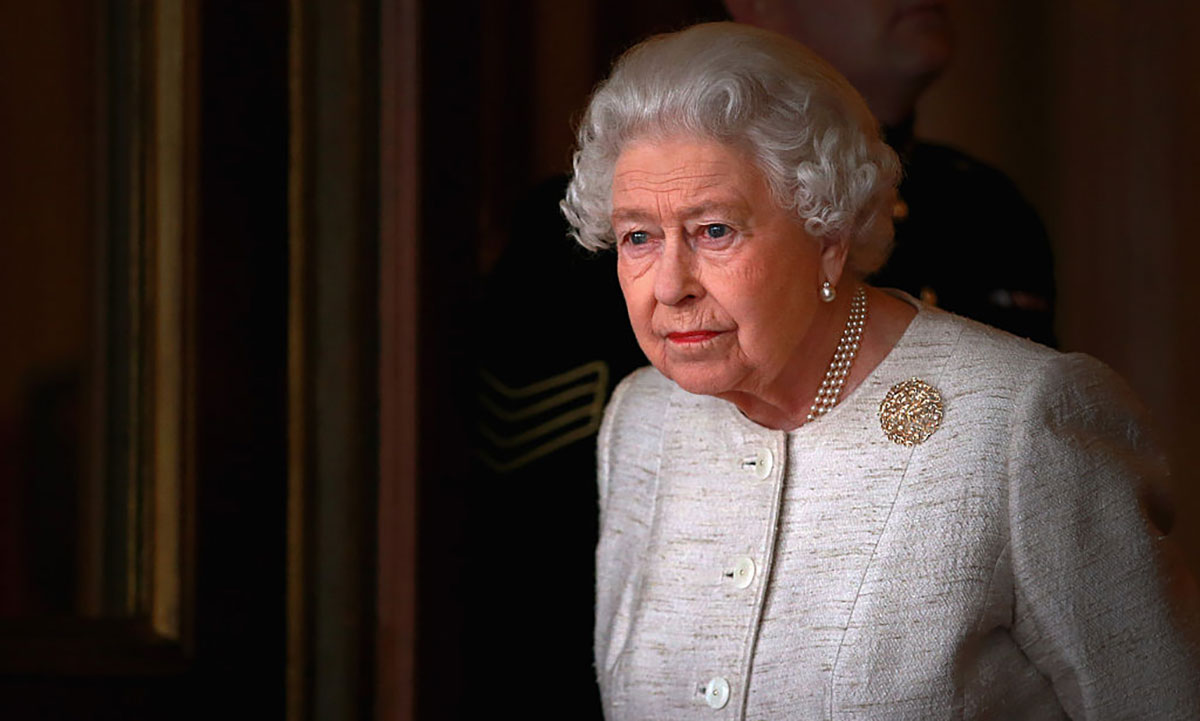 The Queen reveals hope for 2021 in sweet and rare message to royal fan