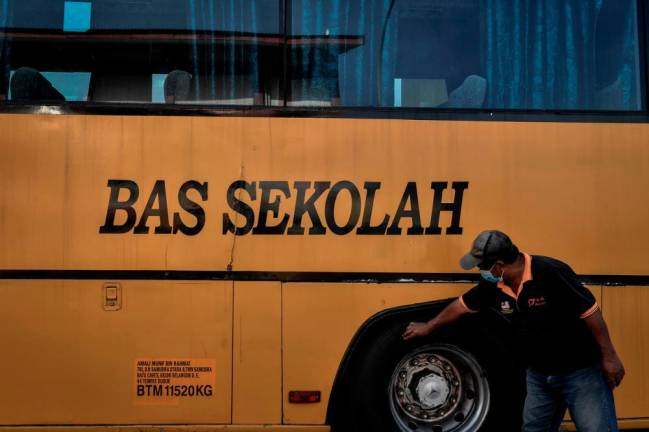 Reopening of schools: New hope for 'yellow bus' operators