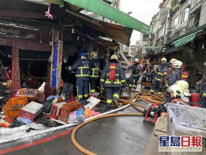 台湾市场清晨起火 住户赤脚仓皇逃生14人伤