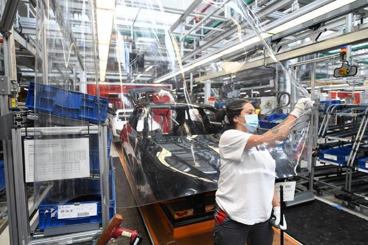 Strong exports lift German factory activity to three-year high in Feb — PMI