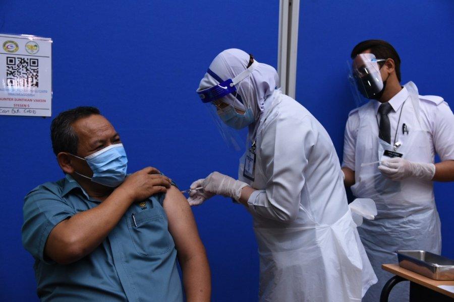 森大臣接种疫苗