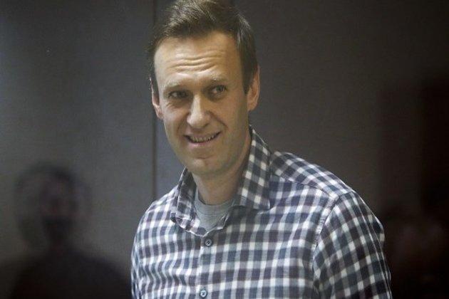 Kremlin critic Navalny calls Putin 'naked king'