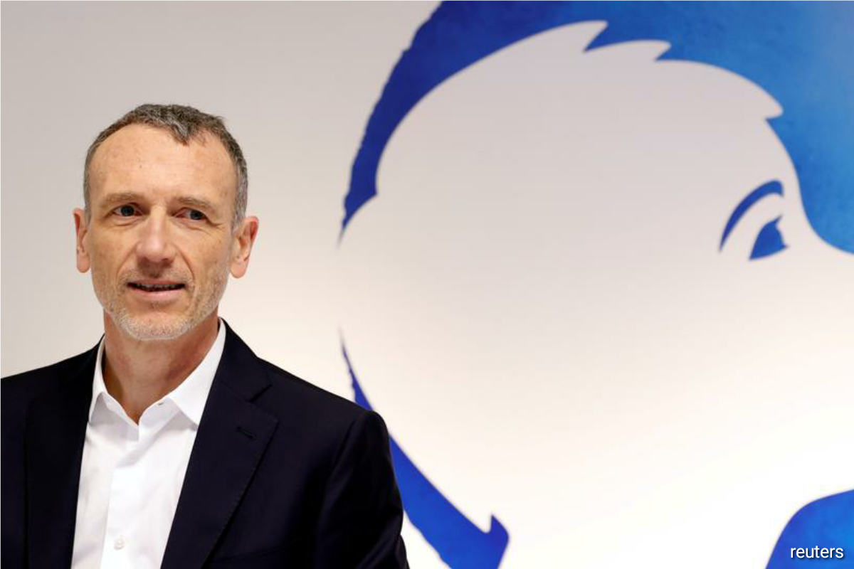 Danone shares edge up as Faber drops CEO role after investor pressure