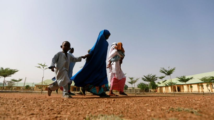 Nigeria kidnapped girls: Security forces 'open fire' at reunion ceremony