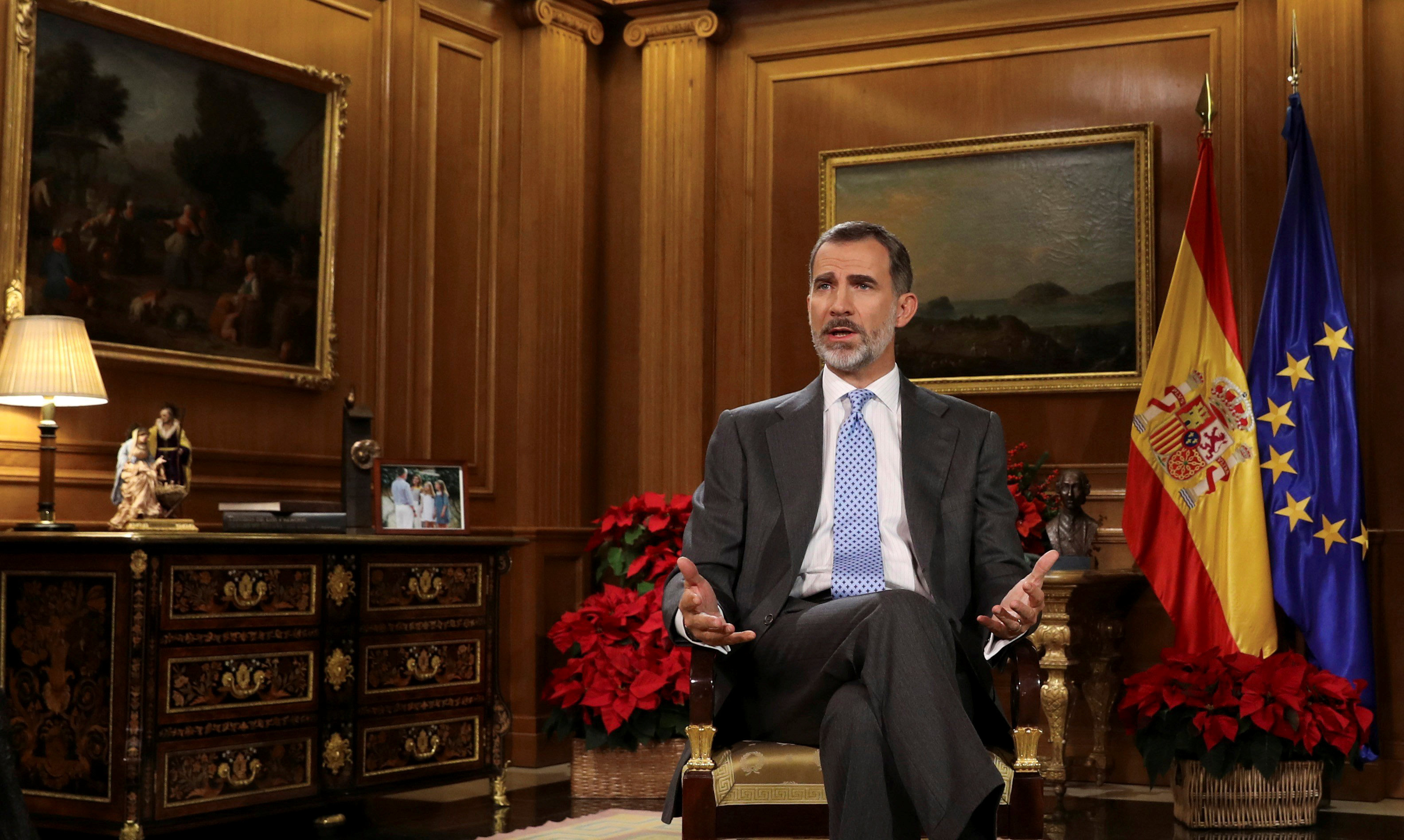 Facing royal mess, Spain's king seeks to steady crown