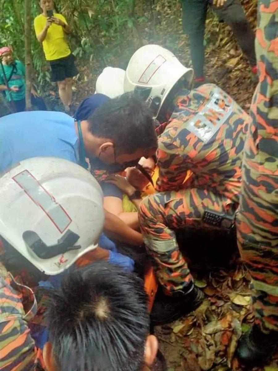 男子登山不慎跌伤 消拯员到场救援