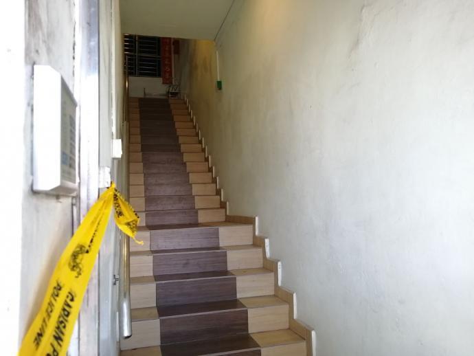 老板身中多刀卧尸民宿 警方逮捕1嫌疑租客