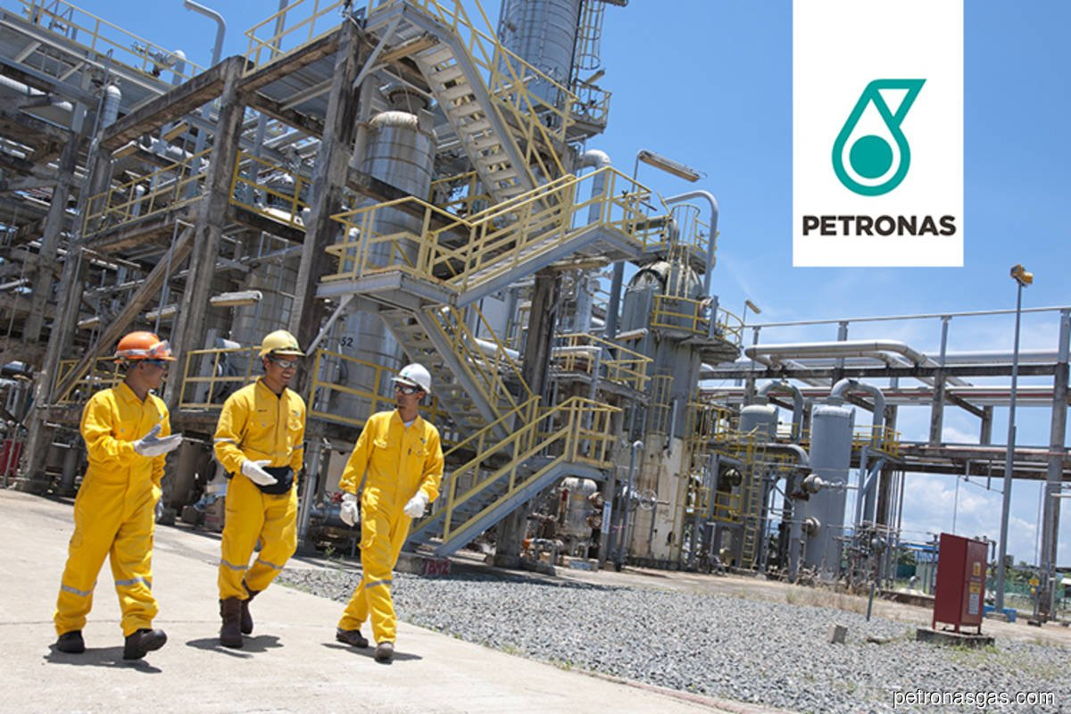 Petronas concerned over potential cost overruns, delays in US$6.6b Canada pipeline, vows to deliver first LNG cargo by middle of this decade