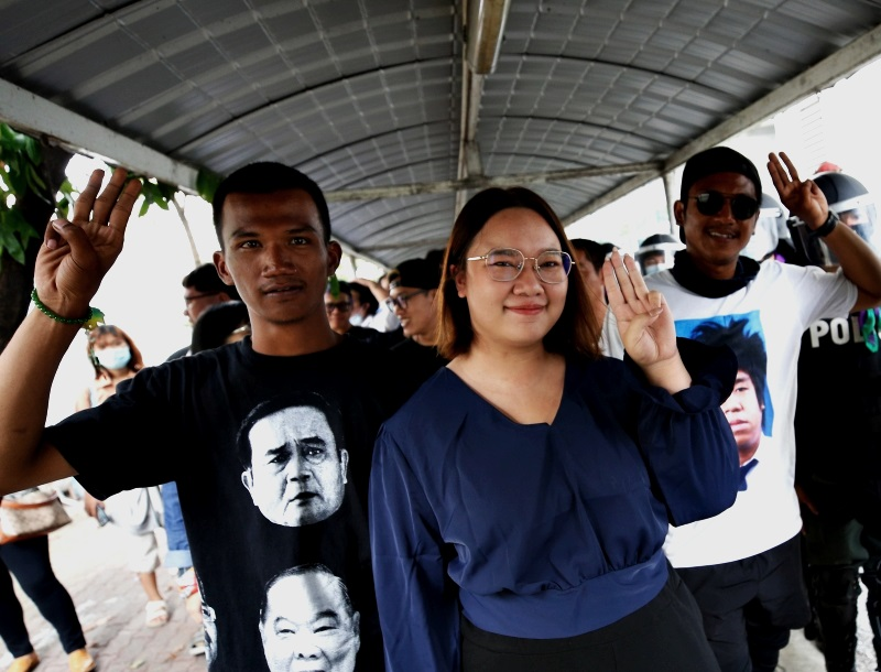 泰国三大学运领袖被拒保释