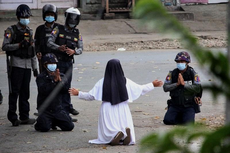 跪求军警勿杀缅甸人 修女:我愿以命抵命
