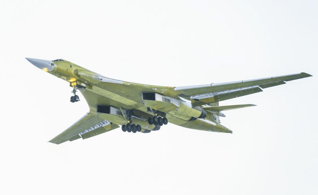俄罗斯首架图-160M轰炸机已交付测试 换用新型发动机