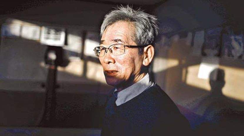 64岁男为寻妻 考牌潜水470次
