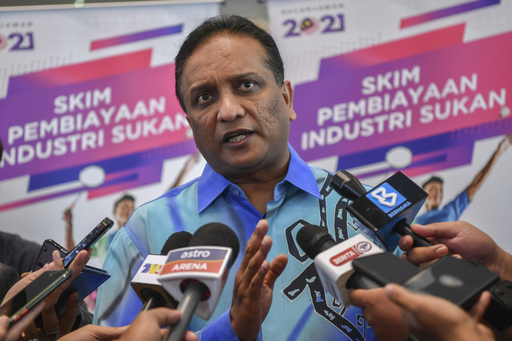 Minister urges EC to clarify on development of Undi18 implementation
