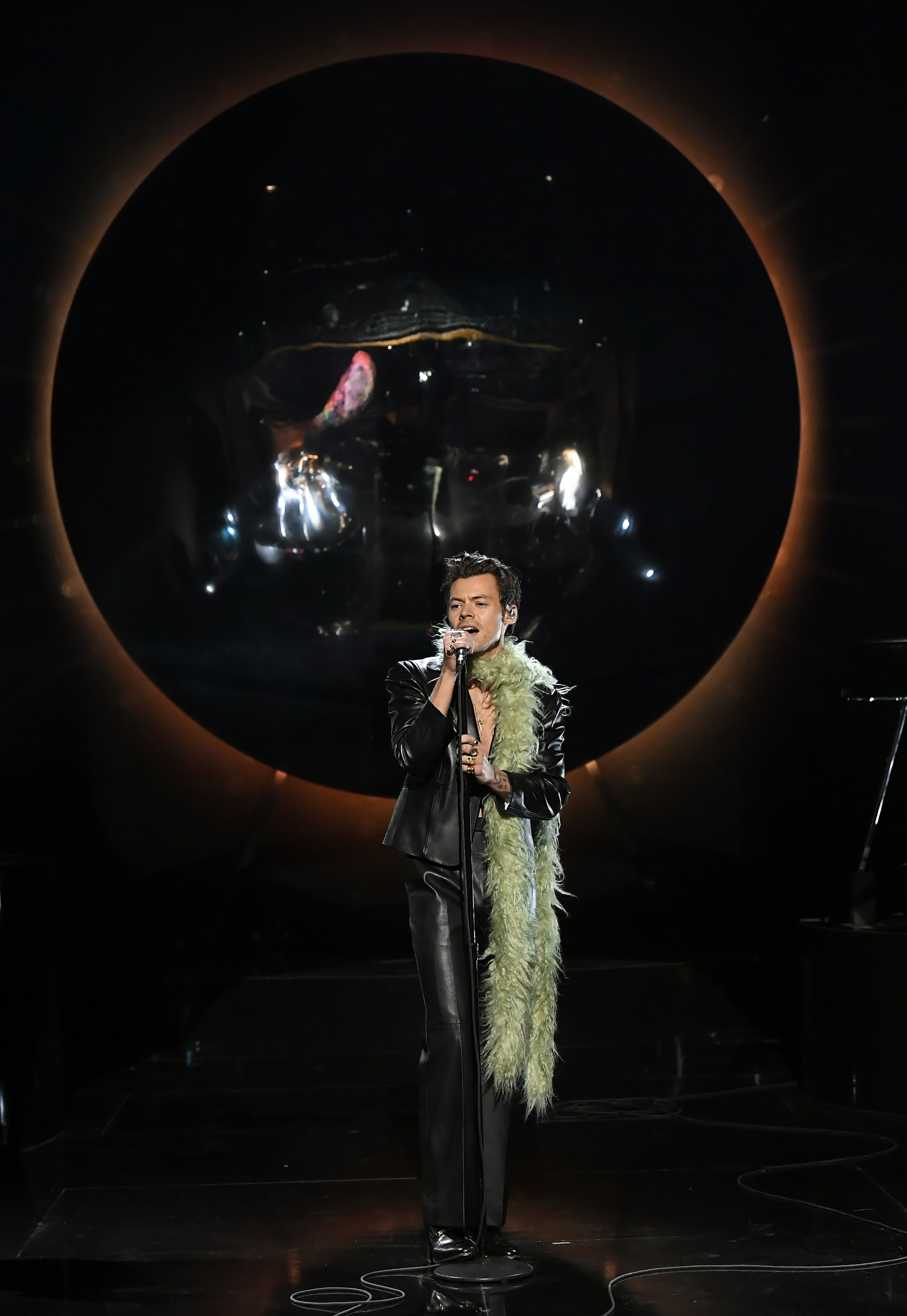 Help! I Saw Harry Styles's Grammys Performance, and I Can't Get Up!
