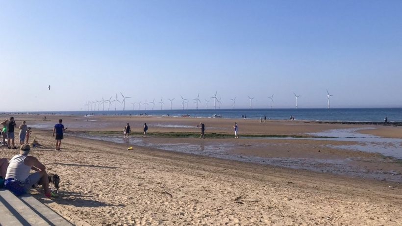 Redcar rescue: Men 'risked their lives' to save girls
