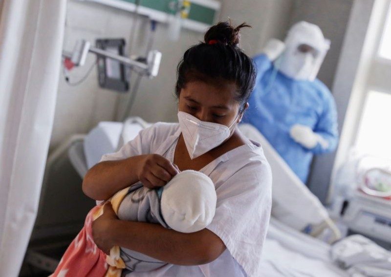 WHO urges healthworkers to allow lifesaving mother-baby contact even with Covid-19