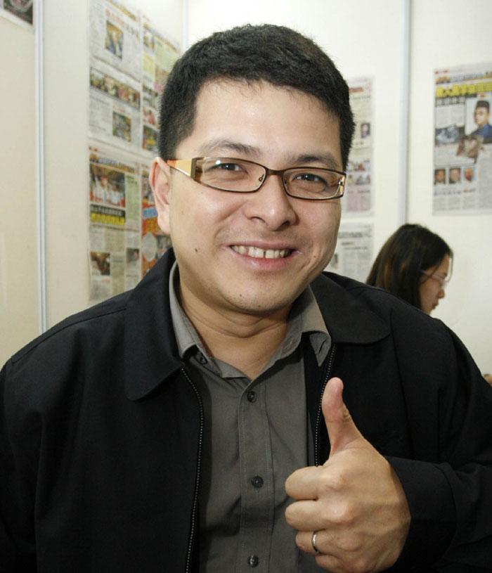 潘永强:想问鼎行动党秘书长 倪可敏需获林氏父子林氏父子