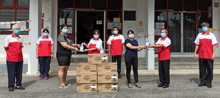 巫红新月派1千消毒洗手液 巫47所会员小学受惠