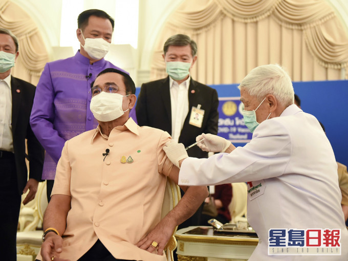 泰国总理巴育接种阿斯利康疫苗 期望增强公众信心