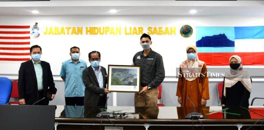 Sabah Wildlife signs MoU with APE for reforestation and wildlife projects