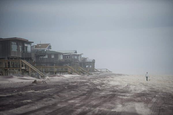 Senate Leader Stalls Climate Overhaul of Flood Insurance Program