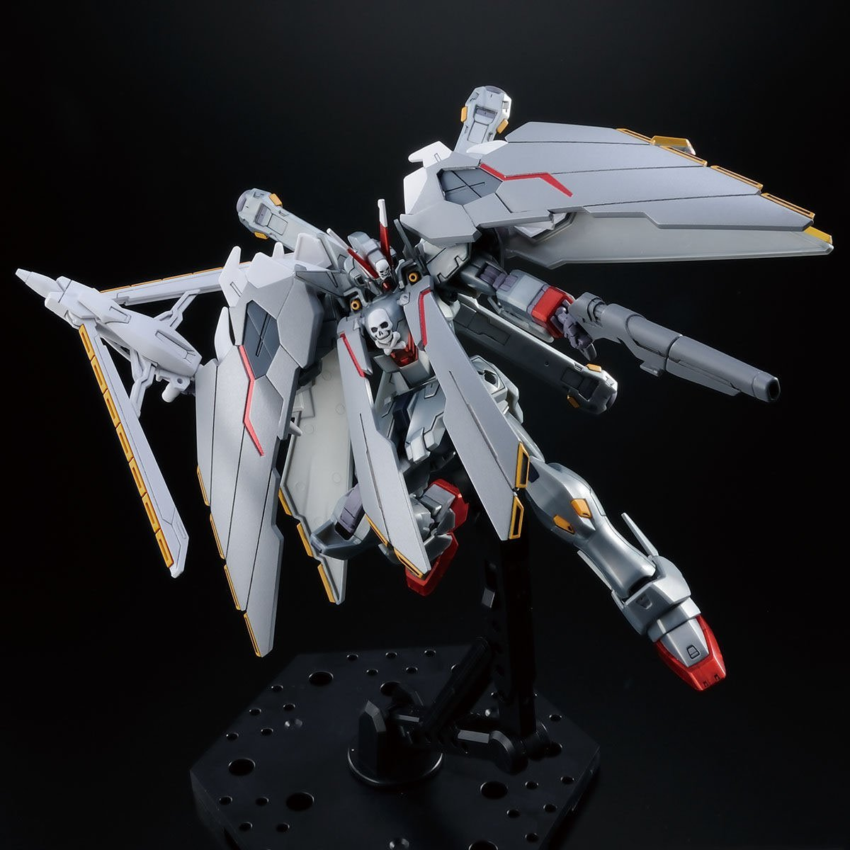 This gundam unicorn is the first model that transforms on its own & speaks lines from the anime