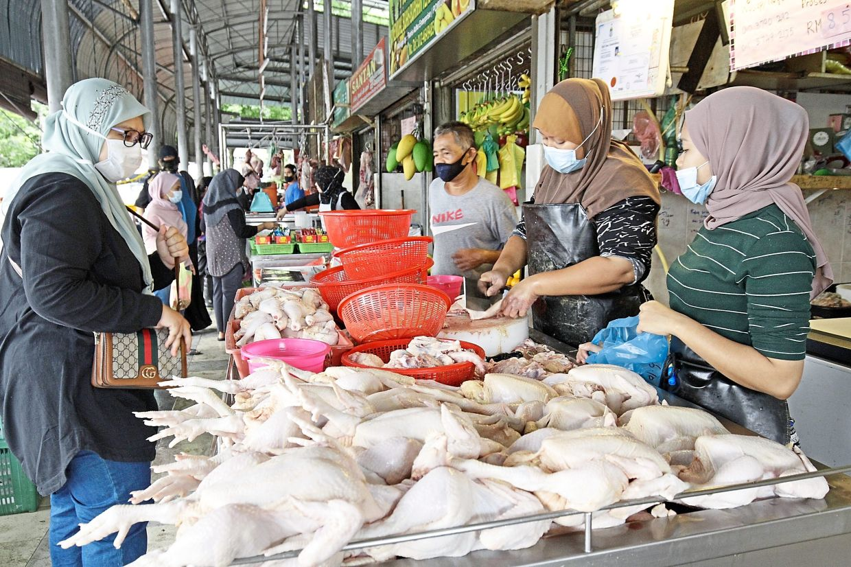 Keep dressed chickens fresh in chillers, traders told