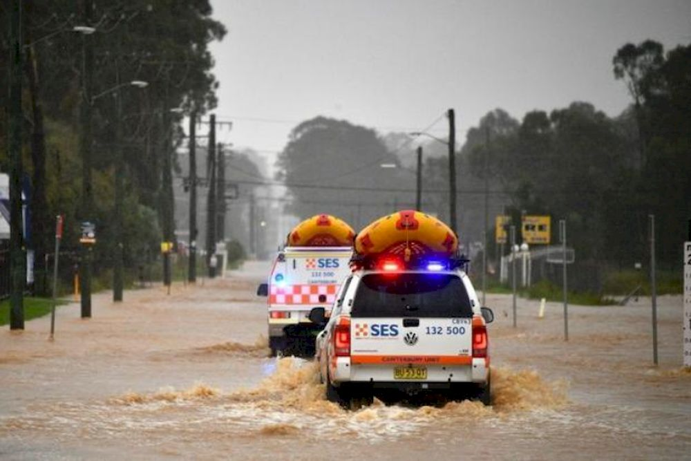 Thousands ordered to evacuate as floods hit Sydney