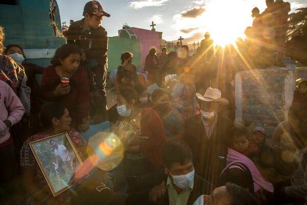 A Violent End to a Desperate Dream Leaves a Guatemalan Town Grieving