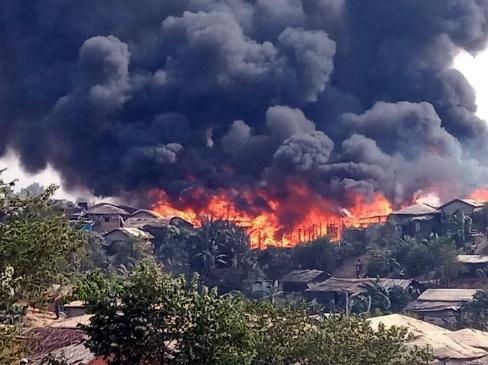 孟加拉罗兴亚难民营大火7死