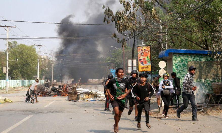 Fearing Myanmar border battles, Thai kids taught to take cover