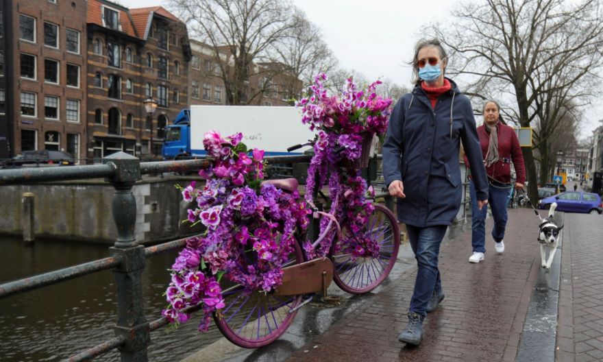 Netherlands extends Covid-19 curfew, curbs as infections surge