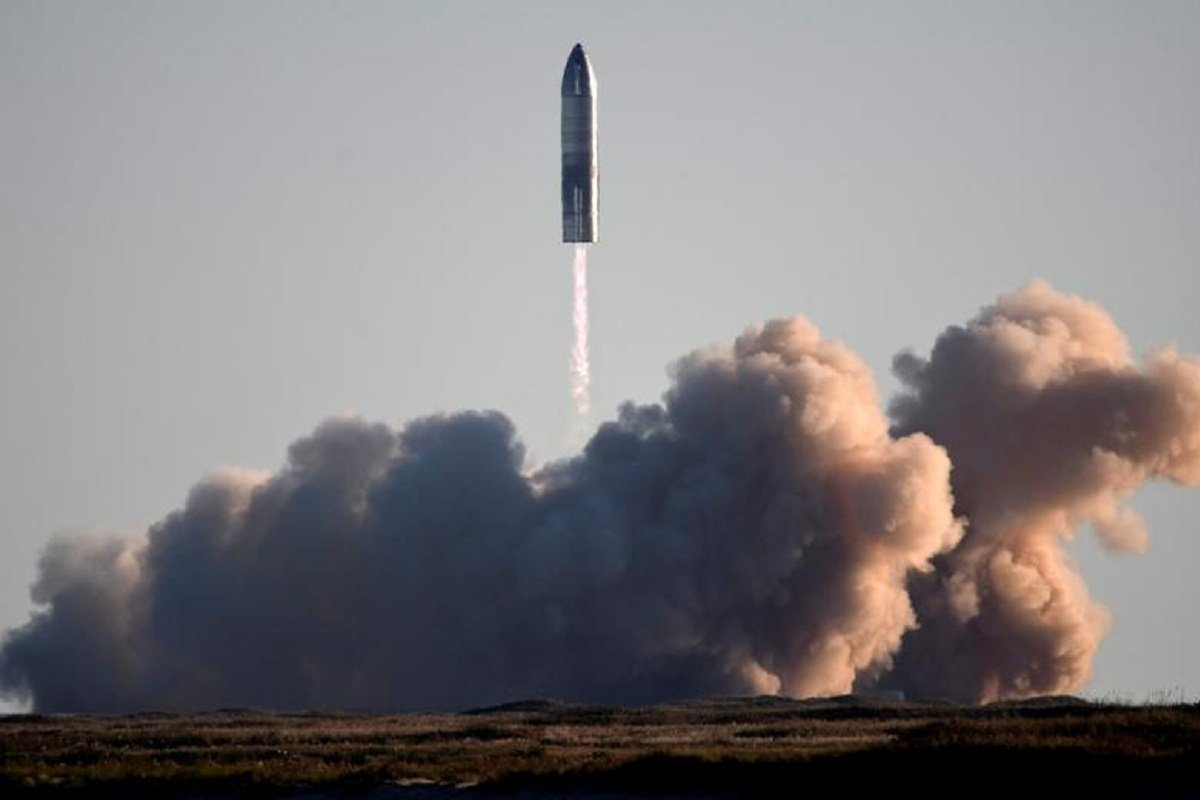 Musk says SpaceX to land Starship rockets on Mars well before 2030