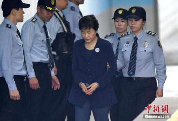 朴槿惠限期内未缴纳罚金 韩检方扣押其住宅将拍卖