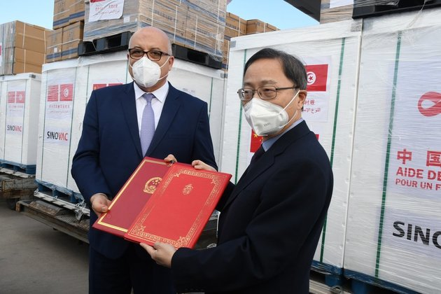 Tunisia receives COVID-19 vaccines donated by China
