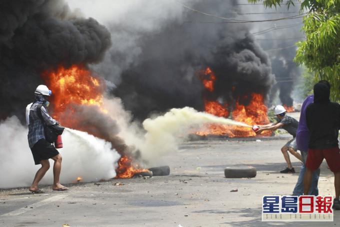【最血腥一日】缅甸开枪镇压示威近百死包括5岁童 欧美英谴责