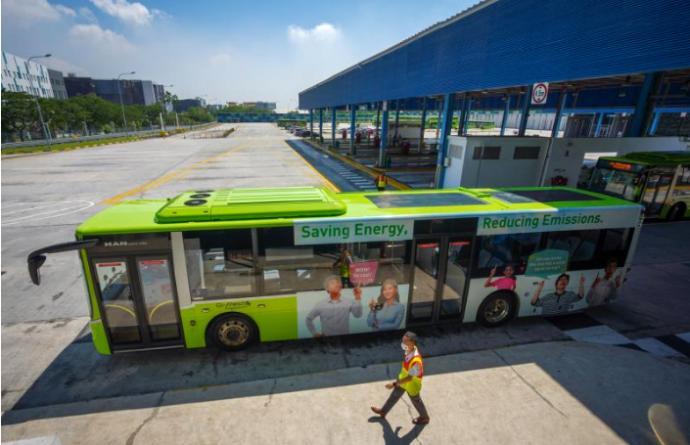 新加坡首2辆装太阳能板巴士试跑
