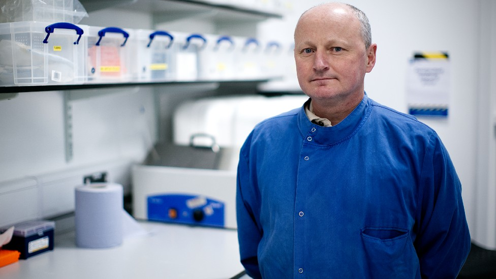 Covid: Secret filming exposes contamination risk at test results lab